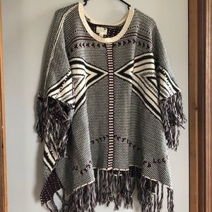 L.A. Hearts one size poncho